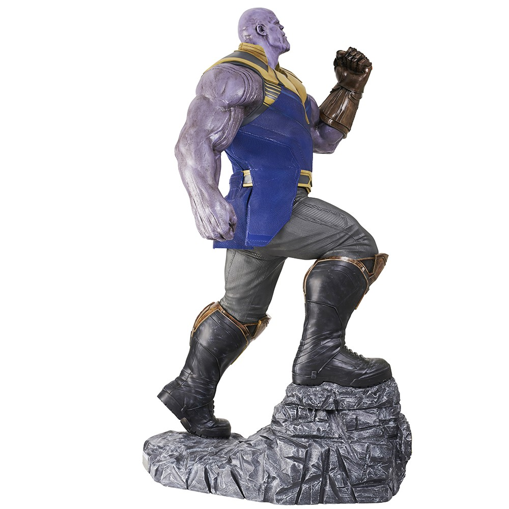 Thanos - Avengers Infinity War - avec le gant de l'infini Statue Taille réelle